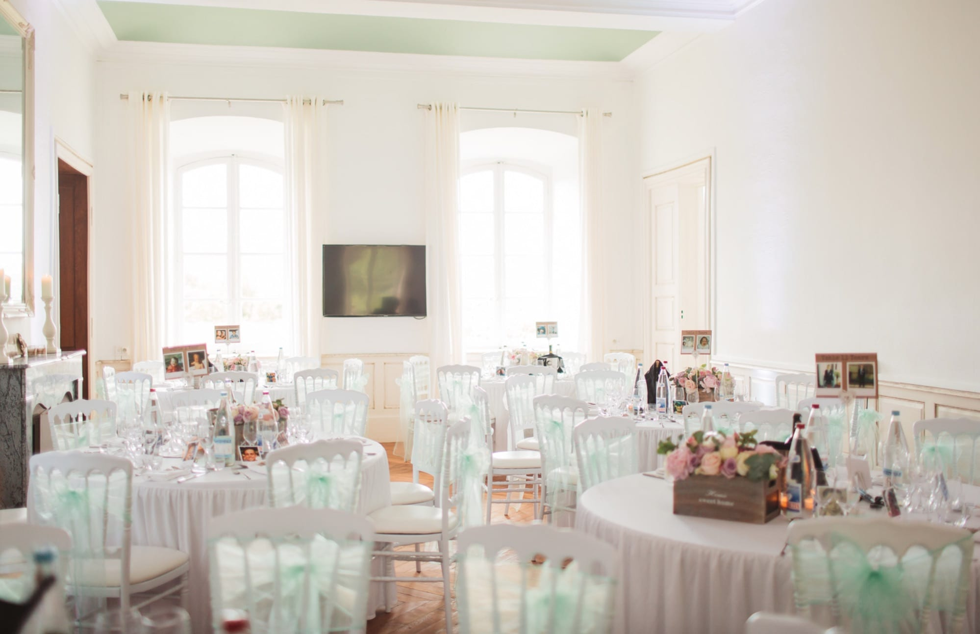 Chateau du Bijou indoor wedding breakfast